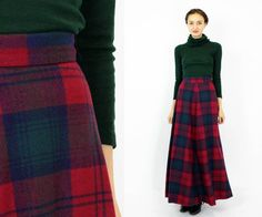 Vintage Bonwit Teller plaid maxi skirt is perfect for winter! High waist wool skirt has a nicely flared hem, dark blue nylon lining and a great box grid