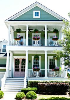 Charleston - Green House, Pink Door  - How to Make a House Feel Like Home Right From the Start - Our Fifth House