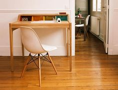 desk and Eames = love