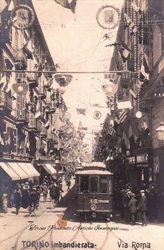 1911 , Via Roma imbandierata per i 50 anni dell'Unità d'Italia e tram per l'Esposizione Internazionale , Torino.