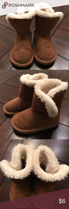 Cute toddler girls boots Toddler size 5. Age 12months to 24months. Children's Place Shoes Boots