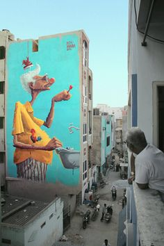 Street Art is a popular type of art that's spreading quickly throughout the world. You'll find it on buildings, sidewalks, street signs and trash cans. 3d Street Art, Street Art News, Urban Street Art, Murals Street Art, Amazing Street Art, Art Mural, Street Art Graffiti, Street Artists, Wall Art