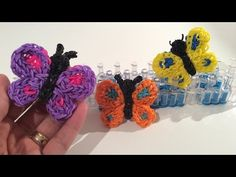 Rainbow Loom Nederlands, vlinder - butterfly charm Loom Band Patterns, Rainbow Loom Patterns, Rainbow Loom Creations, Rainbow Loom Bands, Rainbow Loom Charms, Rainbow Loom Bracelets, Knifty Knitter, Loom Knitting, Loom Band Charms