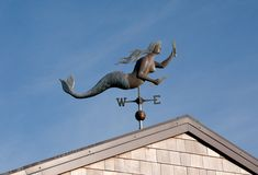 am obsessing about mermaid weathervanes at the moment Beach Cottage Style, Coastal Style, Beach House, Mermaid Beach, Mermaid Art, Cottages By The Sea, Beach Cottages, Tarot, Lightning Rod