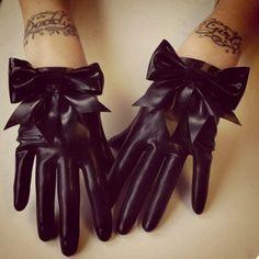 Handgelenk Länge Latex Handschuhe mit Schleife Detail am Handgelenk.    Bei Bestellung bitte Größe (Knöchel-Circumeference) und Ihrer Farbwahl Bogen im