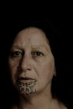 We hope it suits you well! Maori Face Tattoo, Maori Tattoos, Tattoo Pierna, Island Tattoo, Tattoo Band, Maori People, Facial Tattoos, Anthropologie, Maori Tattoo Designs