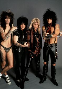 Photo of Mick MARS and Tommy LEE and Nikki SIXX and MOTLEY CRUE and Vince NEIL