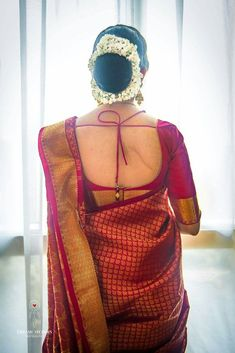 This is The Most Favourite Hairstyle To Wear With Saree Even Now! Cotton Saree Designs, Wedding Saree Blouse Designs, Saree Blouse Neck Designs, Fancy Blouse Designs, Designer Blouse Patterns, Backless, Ethnic Hairstyles, Bridal Hairstyles, Party Hairstyles