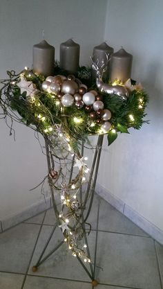 Stand decoration crafts Christmas decoration D - conservatory ideasDecoration on the booth crafts Christmas decoration D / auf crafts dekoration dem 16 trendy greenery wedding centerpieces with candle - flowers nature Trendy Greenery Wedding Christmas Porch, Noel Christmas, Outdoor Christmas, Christmas Wreaths, Christmas Crafts, Christmas Decorations, Xmas, Christmas Ornaments, Holiday Decor