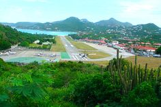 Steep landing - Saint Barthelemy, French West Indies