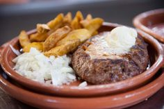 Μπιφτέκια πεντανόστιμα στο σχαροτήγανο Greek Recipes, Mashed Potatoes, Sausage, Steak, Recipies, Pork, Cooking Recipes, Beef, Ethnic Recipes