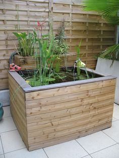 jardins d 39 eau on pinterest garden water features pond ideas and coins. Black Bedroom Furniture Sets. Home Design Ideas