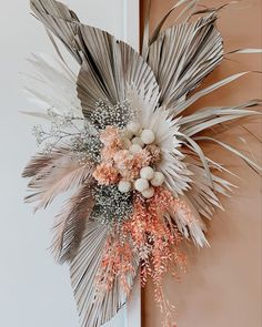 smokey Dried palms Pom poms + dirty pinky peaches by Nikau Flower Bar Dried Flower Bouquet, Dried Flowers, Paper Flowers, Deco Floral, Arte Floral, Floral Design, Bridal Flowers, Fall Flowers, Balloon Garland