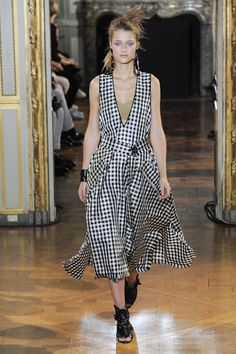 Véronique Leroy Spring 2016 Ready-to-Wear Fashion Show