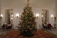 今年3回目のヨーロッパ、2回目のパリ。パリに来たら滞在しなくても必ず訪れるのは、ブリストルパリス。 たった4日の短い滞在でしたが、ファラオンとクレオパトラにも… Le Bristol Paris, Early Check In, Spa Services, Christmas Tree, Holiday Decor, Teal Christmas Tree, Xmas Trees, Christmas Trees, Xmas Tree