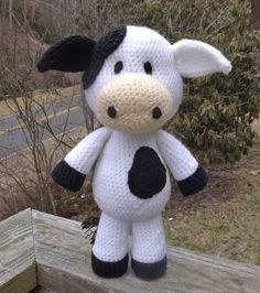 Lil' Cow Amigurumi Crochet Pattern PDF file by LisaJestesDesigns, $4.00