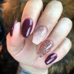 Makeup & Nails 28 Fall Nail Designs & Color Trends To Copy Right Freakin' Now Fall Nail Art Designs, Burgundy Nail Designs, Colourful Nail Designs, Toenail Designs Fall, Gel Nagel Design, Nagellack Trends, Fall Acrylic Nails, Fall Gel Nails, Dipped Nails