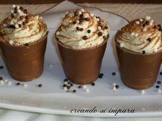 bicchierini golosi, con cioccolato e golosa creme tiramisu' Dessert Cups, Dessert Recipes, Ricotta, Gelato, Italian Cake, Mousse, Cake & Co, Little Cakes, No Bake Treats