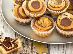 Savannah Muffins mit Thermomix, leckeren Marmormuffins, die im . Carrot Cake Cheesecake, Carrot Cake Cupcakes, Cheesecake Cupcakes, Fun Cupcakes, Cookie Dough Cupcakes, Coffee Cupcakes, Thermomix Desserts, Dessert Recipes, Savannah