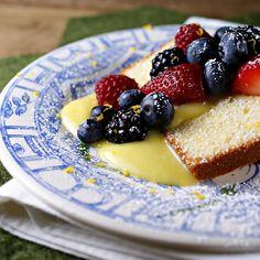 Lemon loaf cake with lemon curd and berries