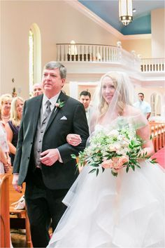 Florida Wedding Photographer | Sara Purdy Photography BlogOyster Bay Yacht Club Wedding Amelia Island, Florida | Laura + Roger | Florida Wedding Photographer | Sara Purdy Photography Blog