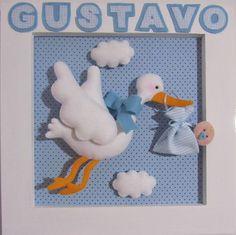 Quadro em MDF e feltro, tema cegonha com bebê  Para enfeitar a porta da maternidade ou decorar o quarto do bebê.  Preço por unidade:R$ 105,00 R$ 105,00