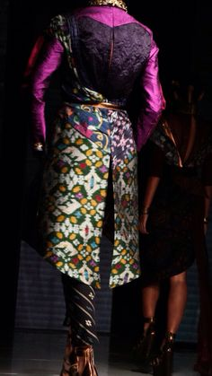 JFFF AWARDS feat Deden Siswanto @DenSiswanto 'Culturecstatic'  @JFFF_Info from my  #PathFashionReport #tenun #ikat #bali #fashion #indonesia #jfff #jf3 #dedensiswanto #appmi Bali Fashion, Traditional Outfits, Ikat, Awards, Capri Pants, Cover, Projects, How To Wear, Fashion Design