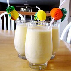 Orange Banana Smoothie Recipe - Filling enough to have as a breakfast - I recommend it!