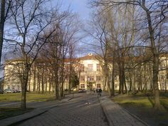 Krakow, Sidewalk, Mansions, House Styles, Gucci, Home Decor, Google, Decoration Home, Manor Houses