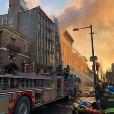 FEATURED POST   @phillytruck12 -  Ladder-13. (Photo by Phillyfirenews) . ___Want to be featured? _____  Use  hastag chiefmiller in your post .  WWW.CHIEFMILLERAPPAREL.COM . CHECK OUT! Facebook- chiefmiller1  Periscope -chief_miller  Tumblr- chief-miller  Twitter - chief_miller  YouTube- chief miller . . .  #phillyfirefighters #phillyfiredept #philly #firefighters #firefighters