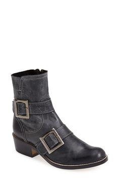 Cordani 'Jensen' Leather Short Boot (Women) Black Size 41 EU on Vein - getVein.com