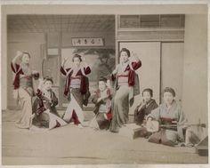 c.1880's PHOTO JAPAN - GROUP OF DANCING GIRLS