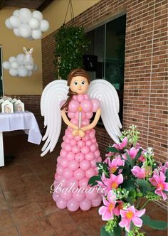Balloon angel for first communion. Communion Decorations, Birthday Balloon Decorations, Baptism Decorations, Balloons Galore, Big Balloons, Wedding Balloons, Balloon Dress, Balloon Bouquet, Balloon Columns
