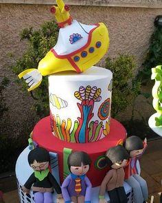 Toys e Bolo dos Beatles para uma festa muito especial. #festabeatles #beatles #yellowsubmarine