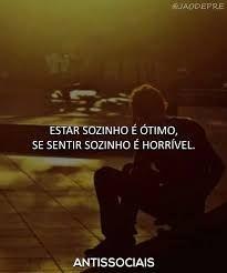 Se sentir sozinho e orrivel. My Heart Hurts, It Hurts, Words Quotes, Sayings, Dark Thoughts, Dark Quotes, Sad Life, Im Sad, Anti Social