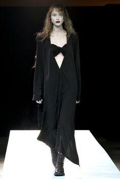 Yohji Yamamoto Spring 2011 Ready-to-Wear Fashion Show