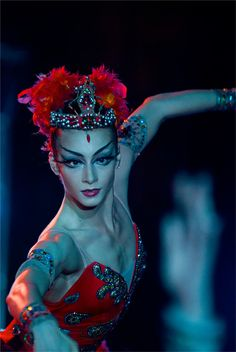 Ekaterina Kondaurova as The Firebird. Photo: Mark Olich.