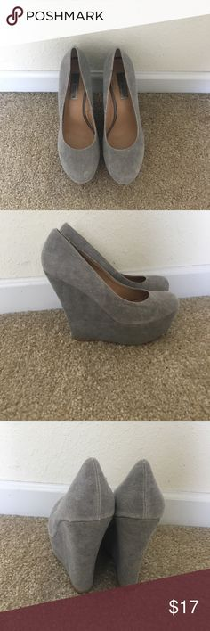 Gray Steve Madden wedge heels Lightly worn gray Steve Madden wedges Steve Madden Shoes Wedges