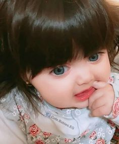 If baby tips is what you need, just go for it! Please check the full article here! Cute Baby Girl Photos, Cute Kids Pics, Cute Baby Pictures, Beautiful Children, Beautiful Babies, Cute Babies Photography, Baby Model, Funny Baby Memes, Cute Baby Wallpaper