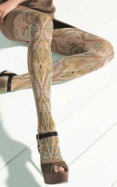 legs and style  (Oroblu Sasha Art Deco Tights)