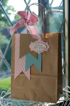 DIY Decorated Gift bags ~ Cute way to reuse shopping bags.just cover the logo with more paper then add cute accents Paper Gift Bags, Paper Gifts, Paper Bag Gift Wrapping, Diy Paper Bag, Wrapping Presents, Pretty Packaging, Gift Packaging, Craft Gifts, Diy Gifts