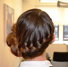 #Holiday Hairstyle Trend 2015: How To Create A Braided Side Bun