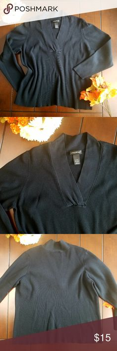 Lane Bryant Ribbed Pull Over Sweater Size 26/28 Let this Lane Bryant ribbed sweater be the newest addition to your closet. Available preloved, in size 26/28. There are no holes, no tears, no stains. 70% Acrylic 30% Nylon. Machine washable. Lane Bryant Sweaters V-Necks