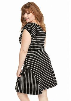 Jessica Simpson Plus Size Christabel Nipped A-Line Dress 1X 2X 3X