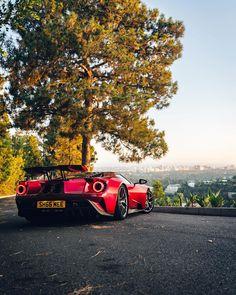 Ferrari Berlinetta, Ford Gt40, Garage Tools, All Cars, Exotic Cars, Fire, Vehicles, Cars, Car