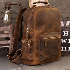 Manipulating Fabric, Furniture Upcycling - Make Furniture, Papasan Chair Living Room. Leather Men, Soft Leather, Leather Bags, Vintage Leather, Pebbled Leather, Mochila Retro, Dublin, Men's Backpack, Supreme Backpack
