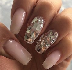 I'm in Love with those #Glass #Nails