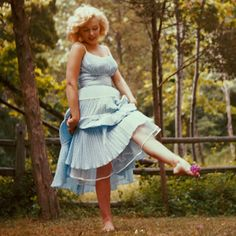 Norma Jeane (Marilyn Monroe) Parte Sesenta y siete - Taringa! Fotos Marilyn Monroe, Estilo Marilyn Monroe, Marilyn Monroe Body, Glamour Hollywoodien, Hollywood Glamour, Vestido Dot, Most Beautiful Women, Beautiful People, Actrices Hollywood