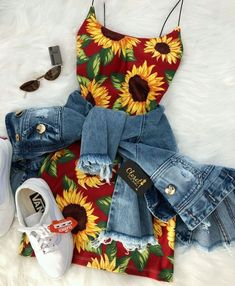 How to wear fall fashion outfits with casual style trends Teen Fashion Outfits, Mode Outfits, Cute Fashion, Outfits For Teens, Girl Outfits, Cute Summer Outfits, Cute Casual Outfits, Stylish Outfits, Mode Kpop