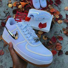Luxury Streetwear — Travis Scott x Nike Detachable Swooshes Sneakers Fashion, Shoes Sneakers, Nike Wear, Nike Shoes Air Force, Jordan Shoes Girls, Aesthetic Shoes, Fresh Shoes, Hype Shoes, Custom Shoes